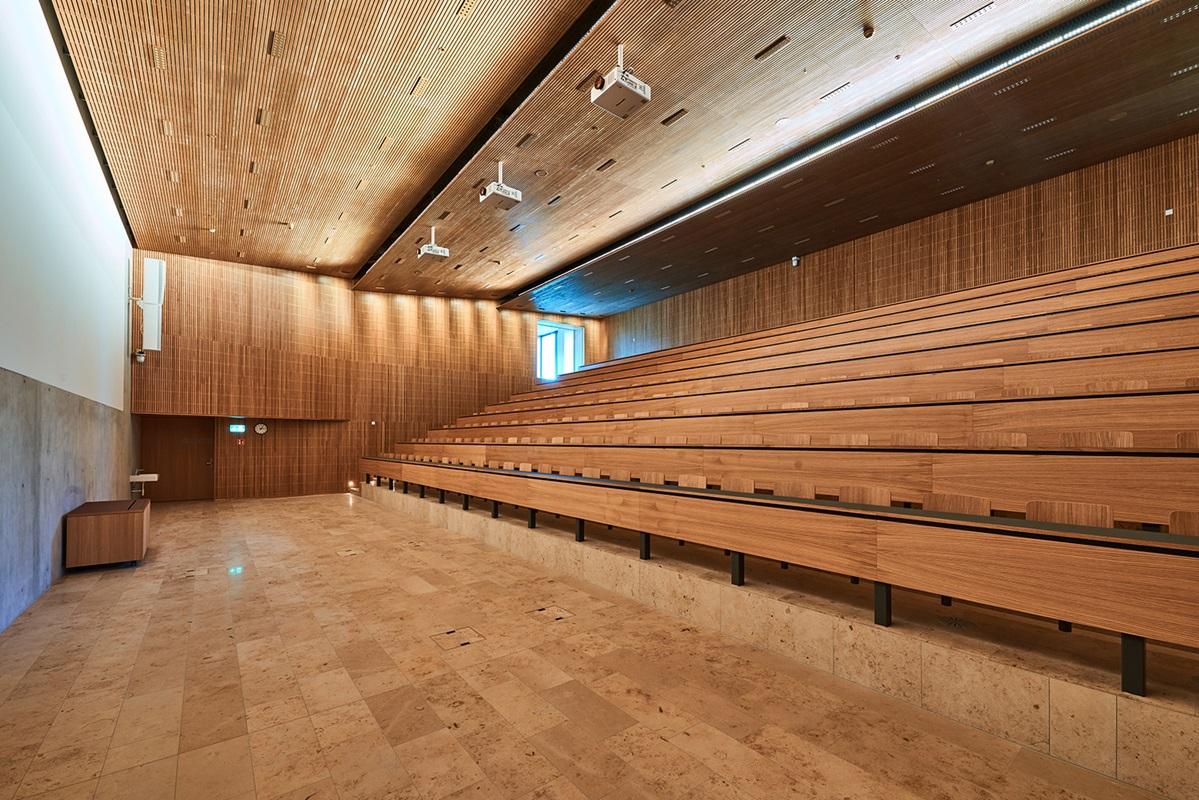 nilshafner.ch - Kundenbeziehungen richtig managen - Studieren - Hochschule Luzern IFZ Rotkreuz